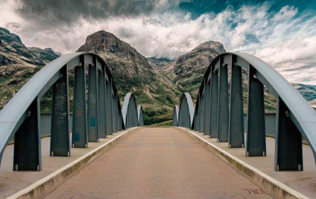 bridge-2525587_1920
